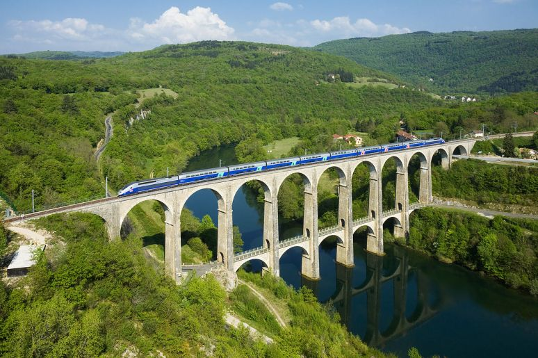 France Cize-Bolozon viaduct no copyright, must quote photographer