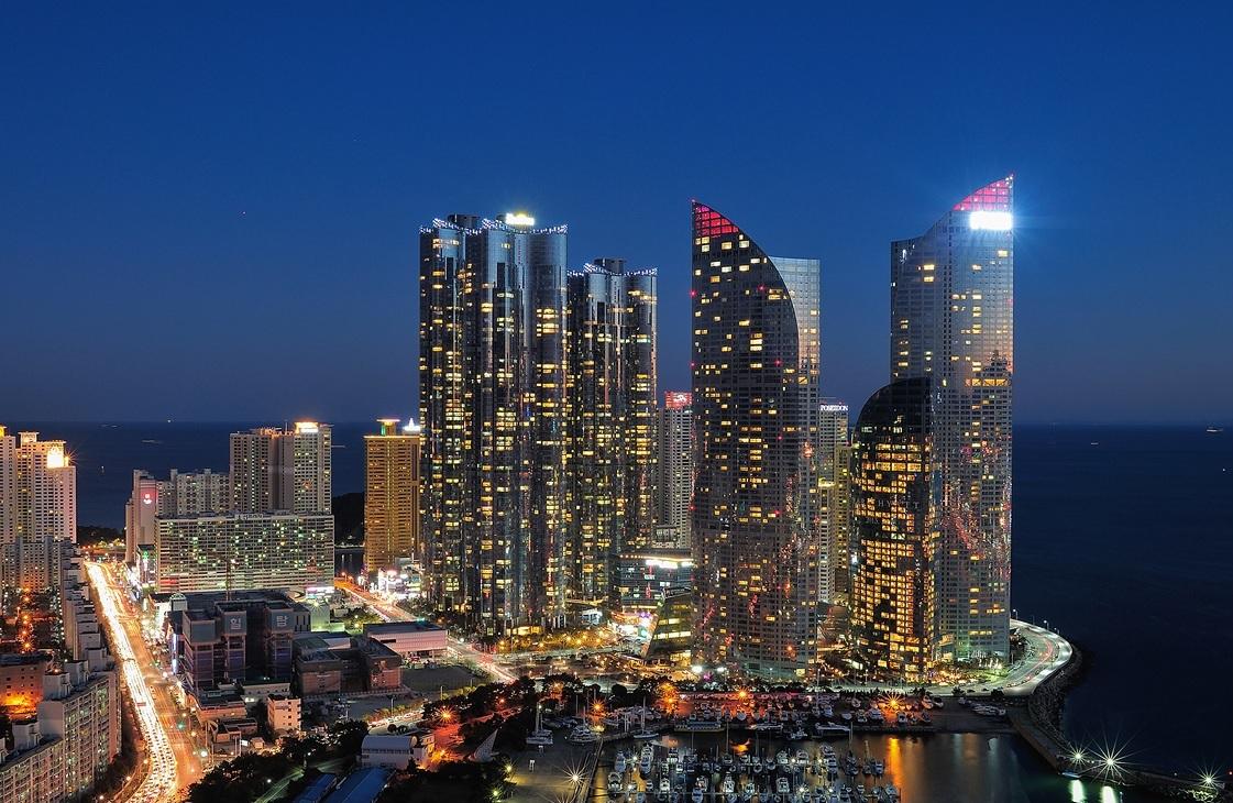 Busan South Korea  City pictures : BUSAN, SOUTH KOREA | THE WORLD THROUGH PHOTOS