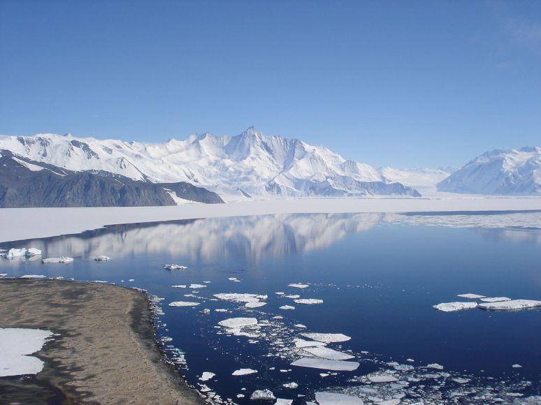 mt herschel, antartica no copyright photographer Andrew Mandemaker