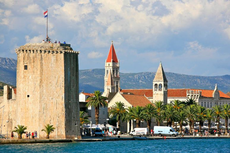 City_of_Trogir_and_the_Tower_of_the_Kamerlengo_Castle_ no copyright photographer Alex Proimos